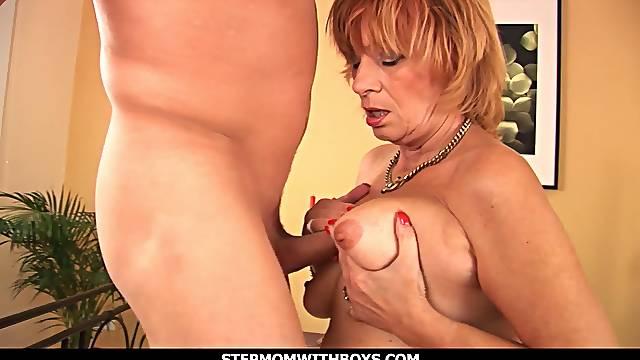 Mature Mom Having A Taste Of Her boyfriend's Cock