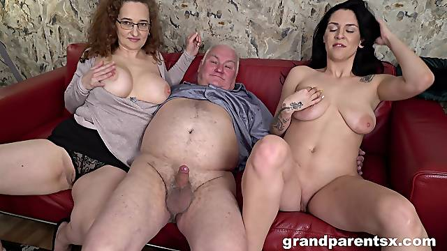 Nice tits babe enjoys having sex with a kinky mature couple
