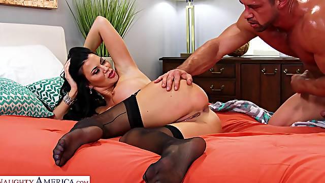 Provocative MILF Jasmine Jae in stockings gets fucked hard