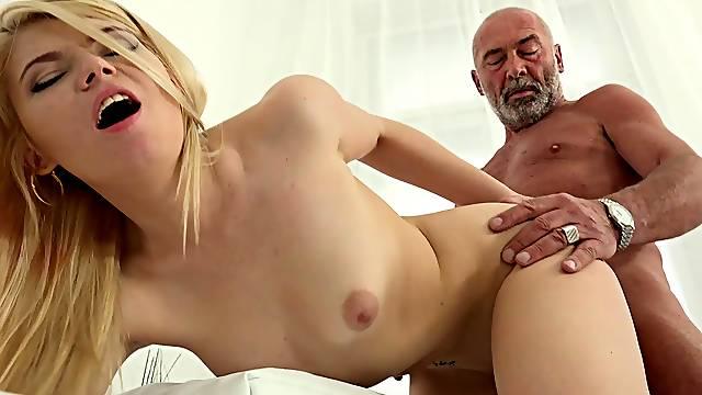 Old man fucks his niece until the last drop