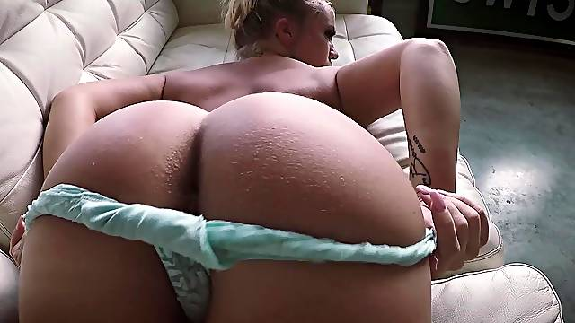 Amateur delights herself with pure nudity solo