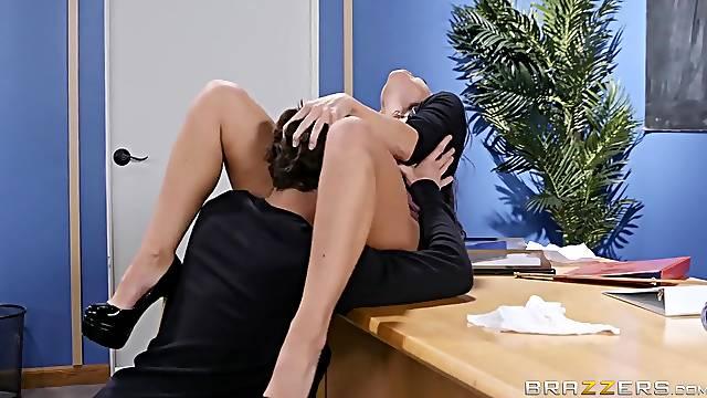 Flexi classroom porn with busty Abigail Mac