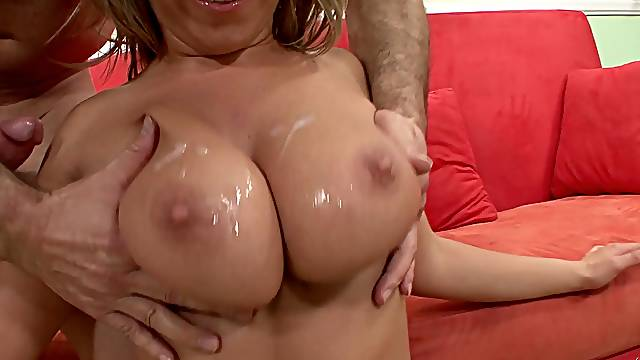 A fabulous sexual tryout for the horny blonde wife