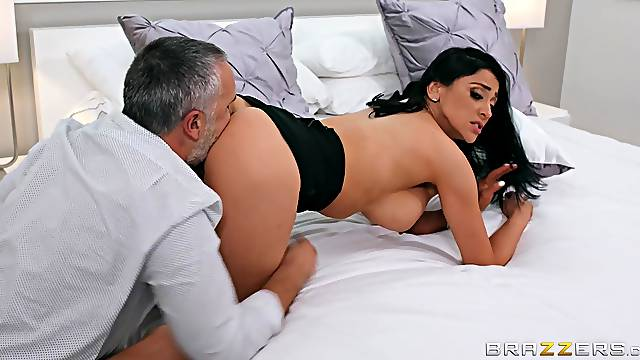 Erotic pussy licking foreplay makes the busty wife to go nuts