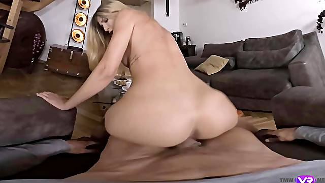 Blonde babe rides in VR and amazes with her bouncy moves