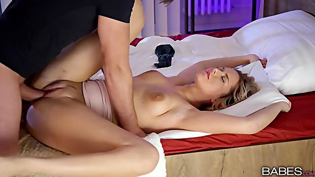 Erotic bedroom play leads this blonde to fantastic orgasms
