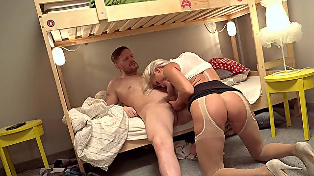 Cougar mom rides the dick of her son's roommate