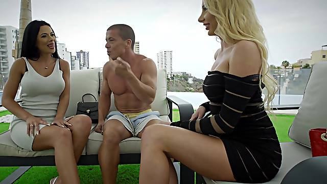Blonde and brunette in marvelous threesome on the rooftop