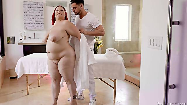Fat whore likes her soaked pussy pumped merciless
