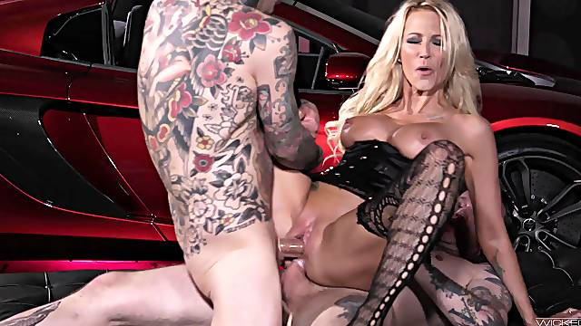 Fiercely sexy model Jessica Drake takes on two pricks with style