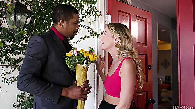 Sexy babe welcomes her black date in proper manners