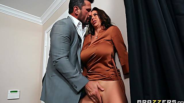 Energized MILF loads massive inches in both holes before swallowing
