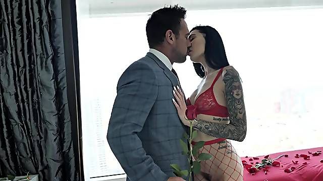 Fine brunette spreads for cock in glorious POV missionary