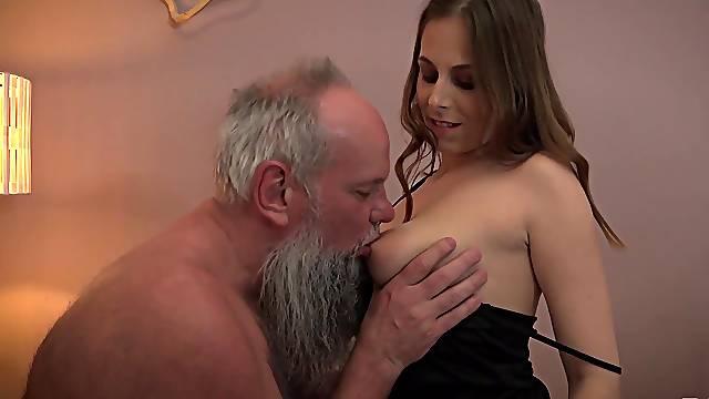 Old bearded guy has a blast with beautiful vixen Antonia Sainz