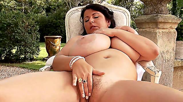 Outdoor masturbation session with fat Natalie Fiore