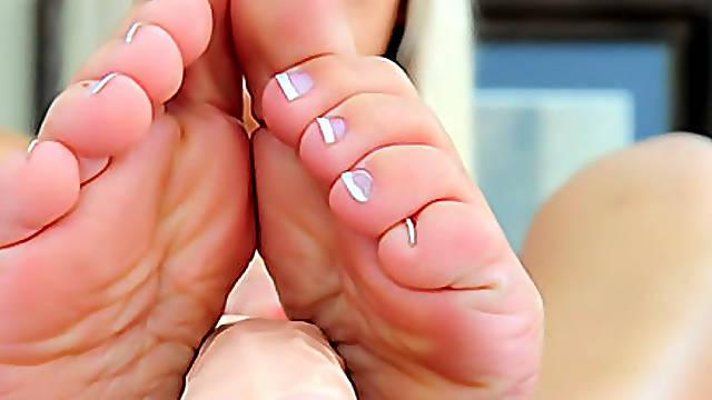 Foot fetish solo girl