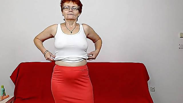 Solo masturbation with Euro granny Jindriska