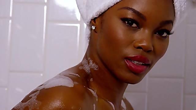 Gorgeous ebony superb nude solo posing scenes