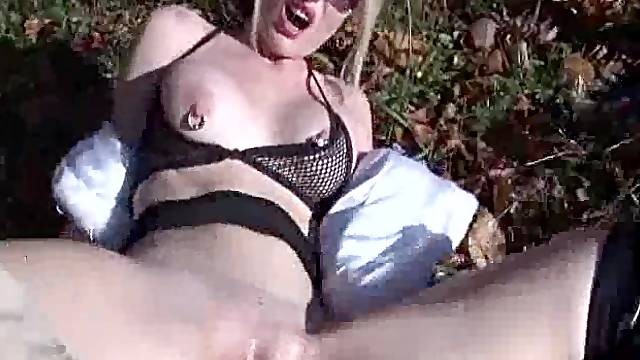 EXTREME OUTDOOR FIST FUCKING ORGASMS