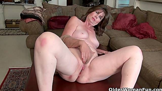 America's sexiest milfs: Ava, Sally Steel and Penny