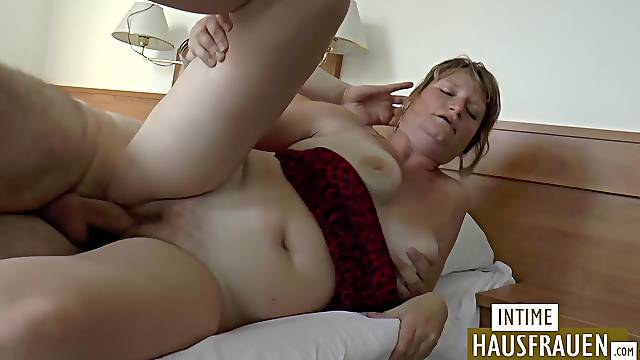 Mom gets fucked