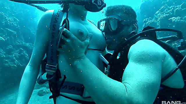 Underwater porn fetish for the busty beauty on her holiday