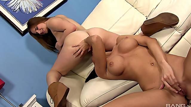 Pleasant oral sex and nude porn with Jennifer Dark and Jillian Janson