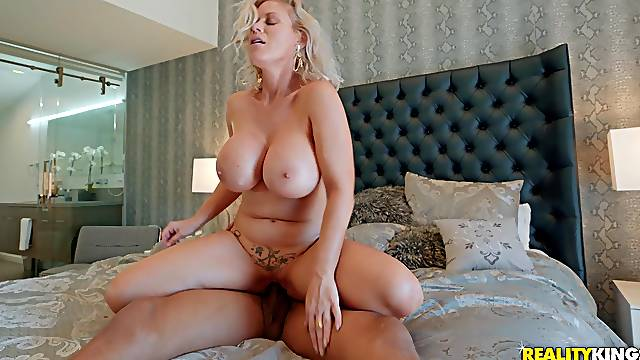 European milf suits her moist pussy with a BBC