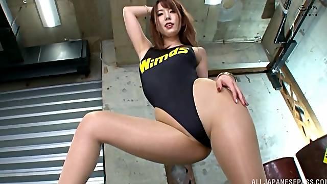 Japanese in sexy bikini, seductive cam sex