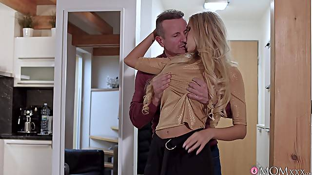 Long-haired Florane Russell fingered during a fabulous fuck