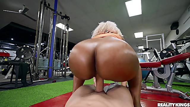 Hot ebony fucked at the gym and made to swallow