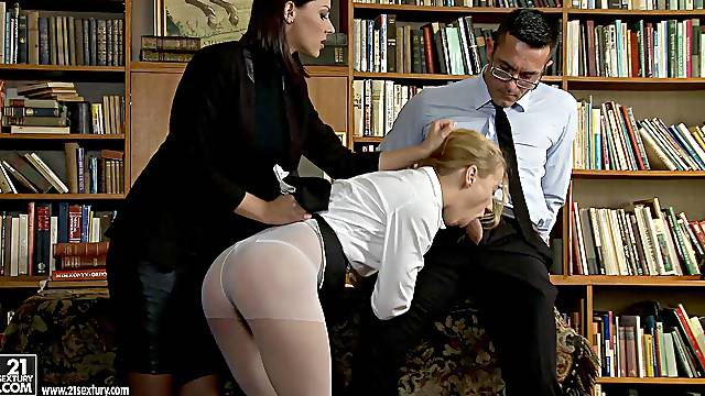 Hardcore fucking with anal loving stars Cindy Hope and Nikky Thorne
