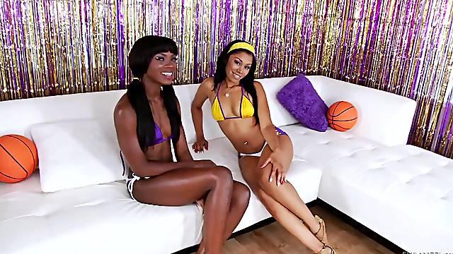 Hardcore FFM threesome with anal loving Yasmine De Leon & Ana Foxxx