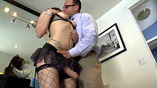 Dude fucks wet pussy of sexy Gabriella Paltrova and gets pegged