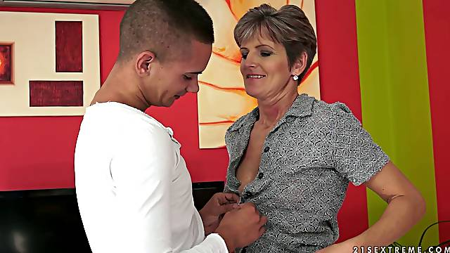 Lannie the Slutty Granny takes cum after a real blowjob