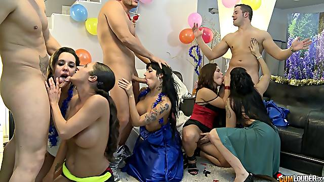 Gigi Love double penetrated at a wild group sex party
