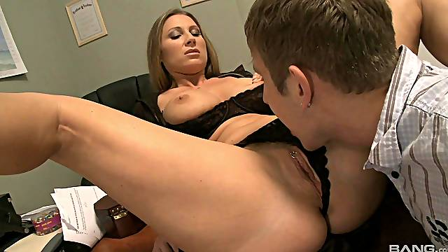 Pierced pussy Devon Lee gets banged on the office's table with a stranger