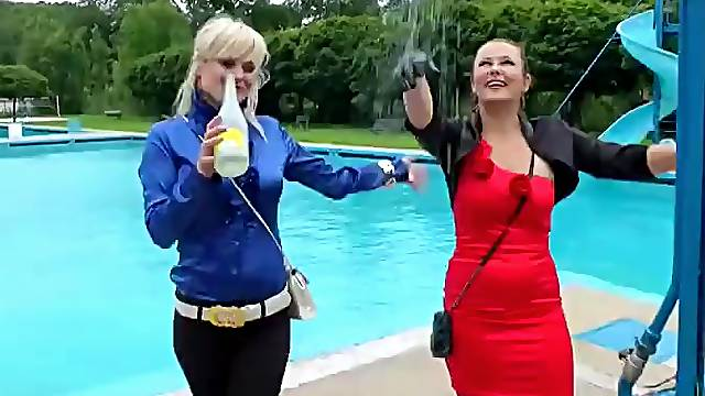 Two Babes Have Some Wet Fun