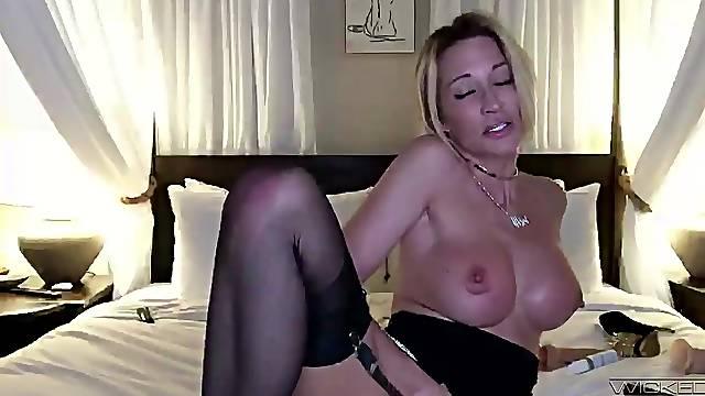 Homemade closeup video of naughty wife Jessica Drake masturbating