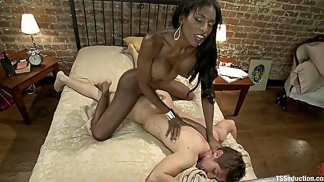 Sexy Ebony Ladyboy Fucks a White Guy's Ass after Mutual Blowjobs