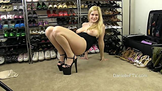Video of dirty blonde girl Danielle playing with her pussy on the floor