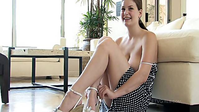 Seductive solo wife Danielle enjoys flashing her pussy and boobs