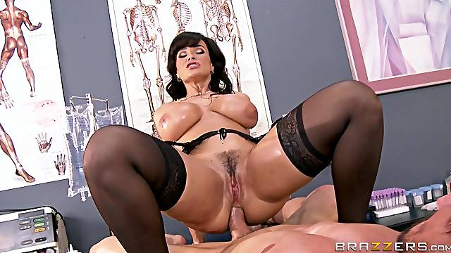 Cougar pornstar Lisa Ann fucked in all of her holes by a large dick